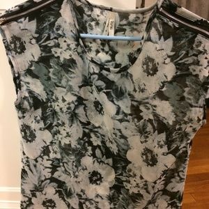 Flowered shear top